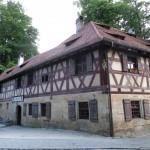 1920px-Rockenbrunn_1_Brunnenhof_D-5-74-152-24_2015-06-12_19.39.40